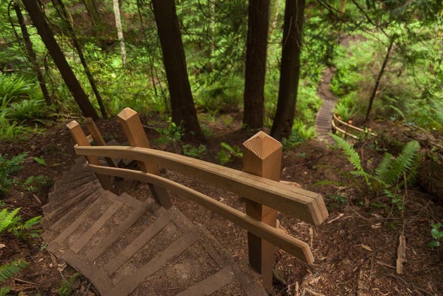 Immense houten trap bij Gibsons, Sunshine Coast
