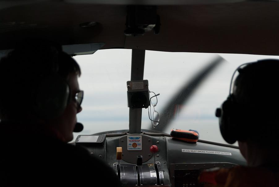 Binnen in een seaplane naar Vancouver Airport