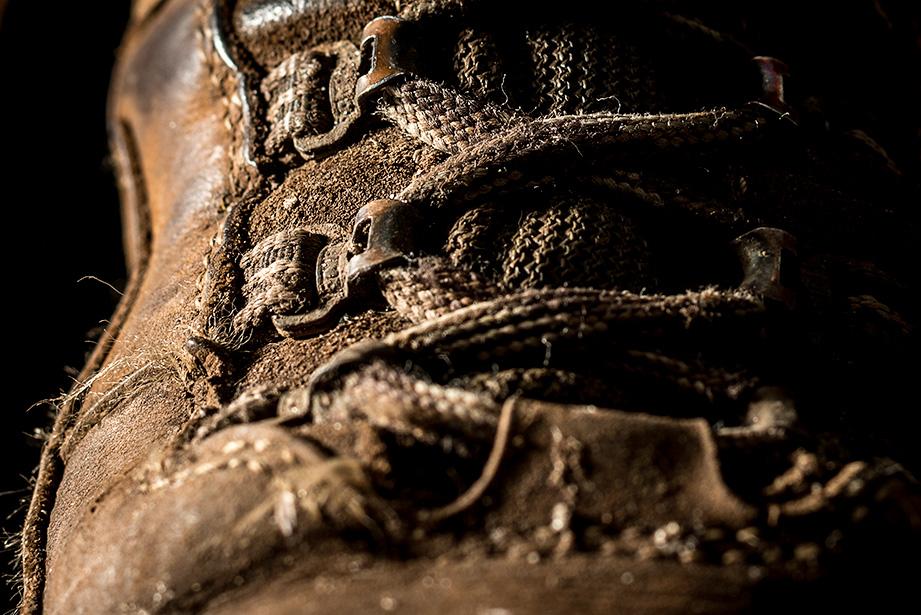 Productfotografie van gebruikte wandelschoenen