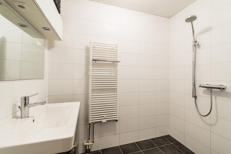 Woningfotografie van een appartement productfotograaf woningfotograaf morning road photography - Welke vloer voor een badkamer ...