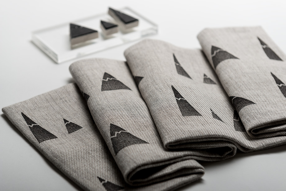 Productfoto van een sjaal van hennep