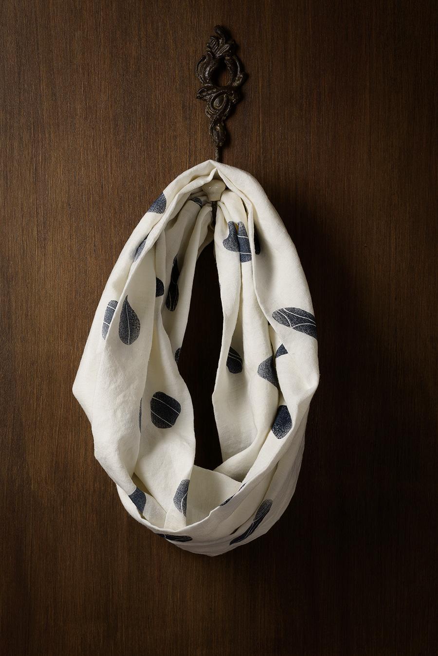 Handgemaakte bestempelde sjaal